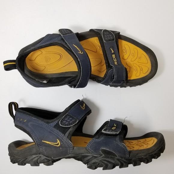 1b9bbb860bd Nike ACG Sandals Men Size 10. M 5b306155e944bac4baebaee1